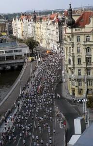 Citymaratoonarit vauhdissa.