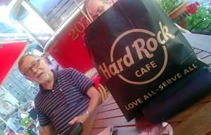 Hard Rock Cafeen kohderyhmä on löytänyt perille.