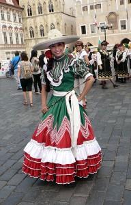 Meksikolainen kansallisasu.