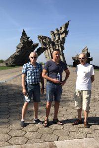 Trys gražūs vyrai, sanoivat liettualaiset kun näkivät meidät.